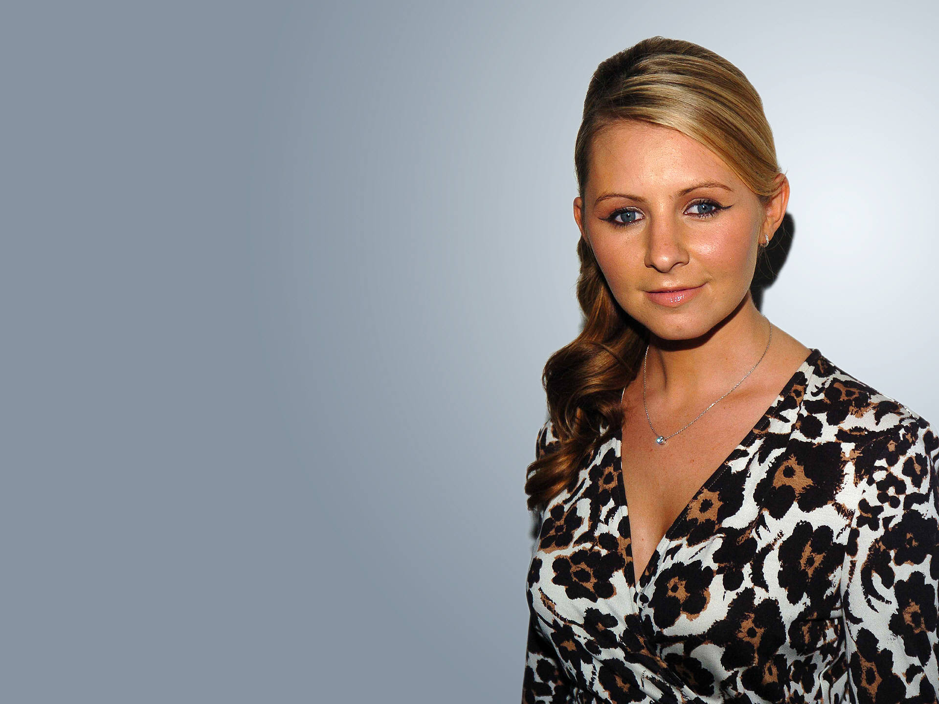Beverley Mitchell Picture Image