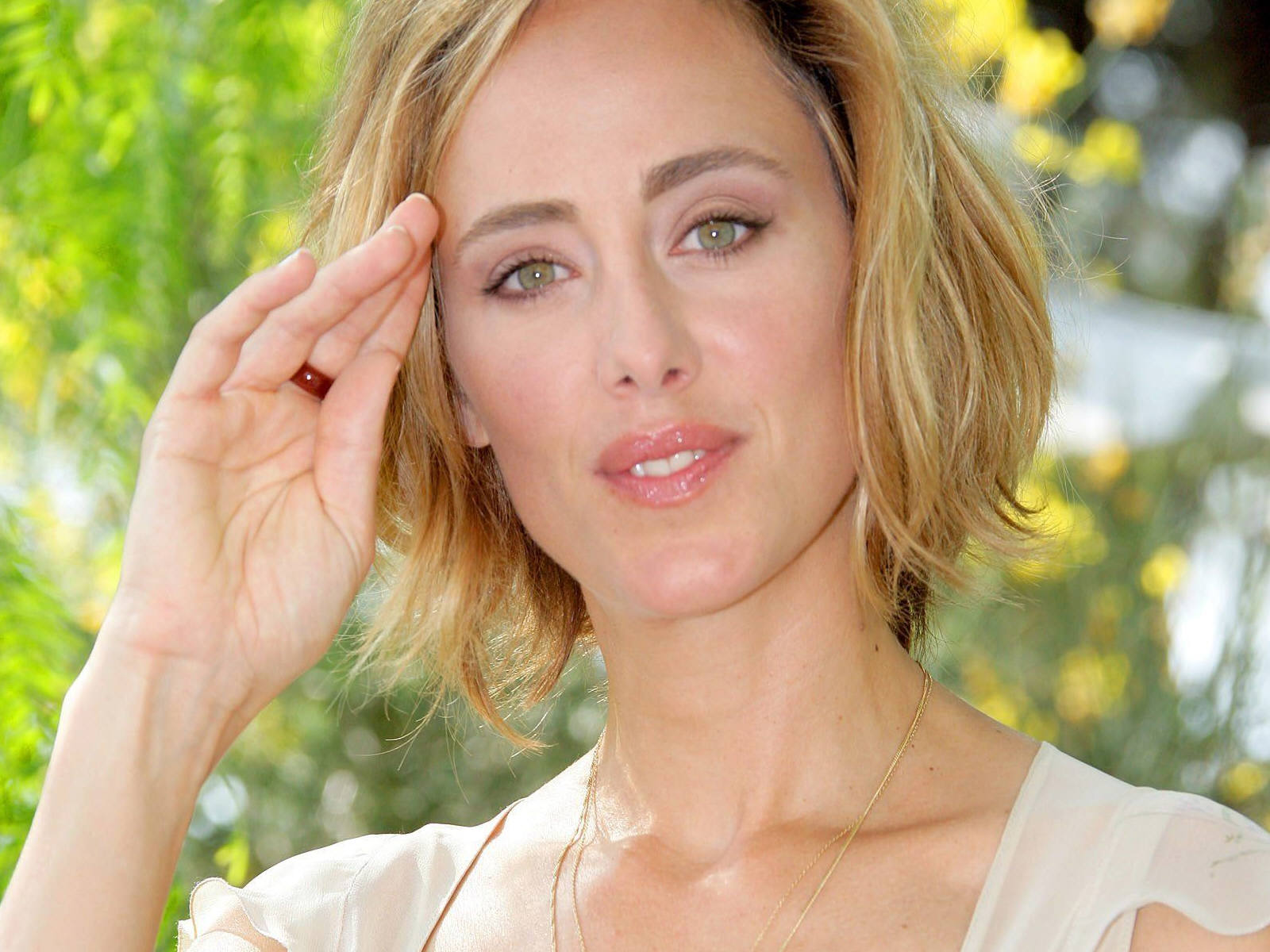 Kim Raver Picture - Image 32 - Hollywood-Actress-Pictures.com