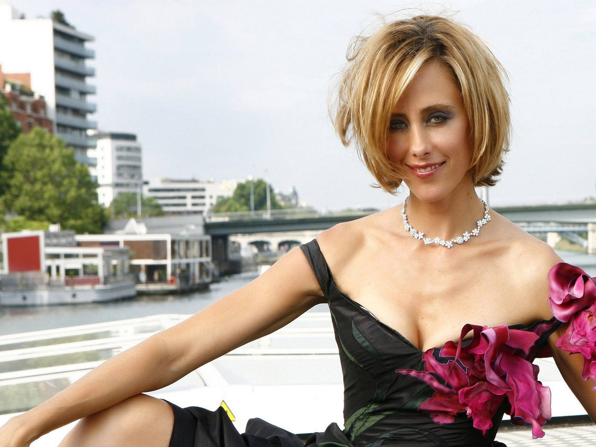 Kim Raver Picture - Image 34 - Hollywood-Actress-Pictures.com