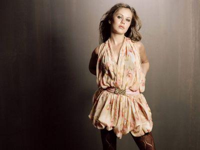 Alexis Dziena Picture - Image 20