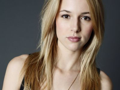 Alona Tal Picture - Image 1