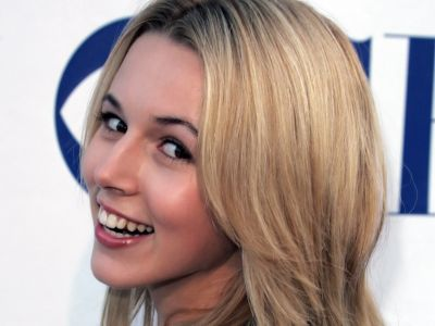 Alona Tal Picture - Image 17