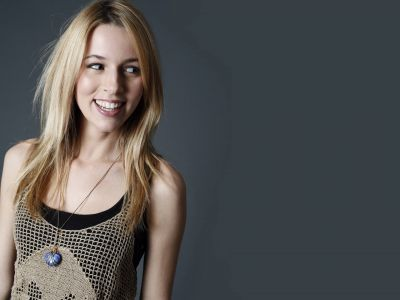 Alona Tal Picture - Image 19