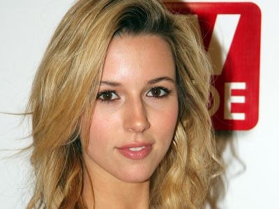 Alona Tal Picture - Image 2
