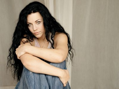 Amy Lee Picture - Image 5