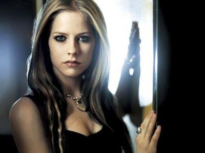 Avril Lavigne Picture - Image 3