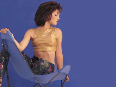 Carly Pope Picture - Image 4