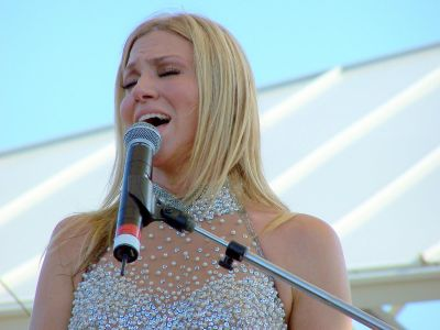 Debbie Gibson Picture - Image 3