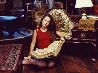 Holly Marie Combs Picture - Image 18