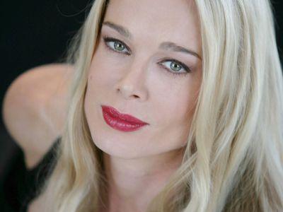 Jennifer Gareis Picture - Image 14