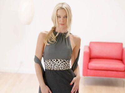 Jennifer Gareis Picture - Image 3