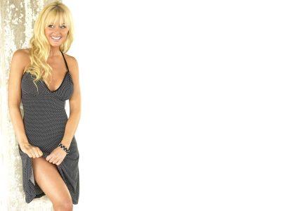 Katie Lohmann Picture - Image 3