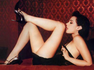 Mia Kirshner Picture - Image 17