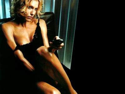 Tricia Helfer Picture - Image 28